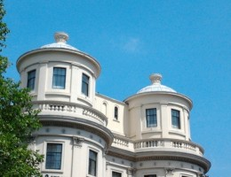 Auction-House-enjoys-the-heatwave-as-Sales-and-Growth-Continue