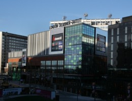 London-Designer-Outlet-attracts-over-a-Million-Visitors-in-first-Three-Months