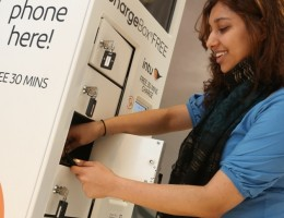 Free-Phone-Charger-Initiative-helps-intu-Shoppers-stay-Connected