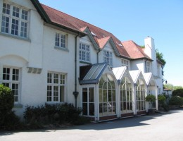 Hotel-Specialist-reports-Strong-Demand-in-Wales