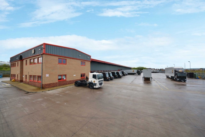 Henley-Ups-Investor-Returns-with-UPS-Warehouse-Sale